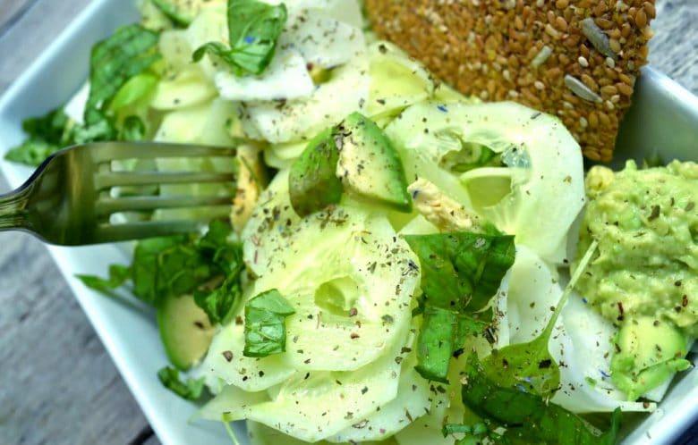 kohlrabi cucumber salad