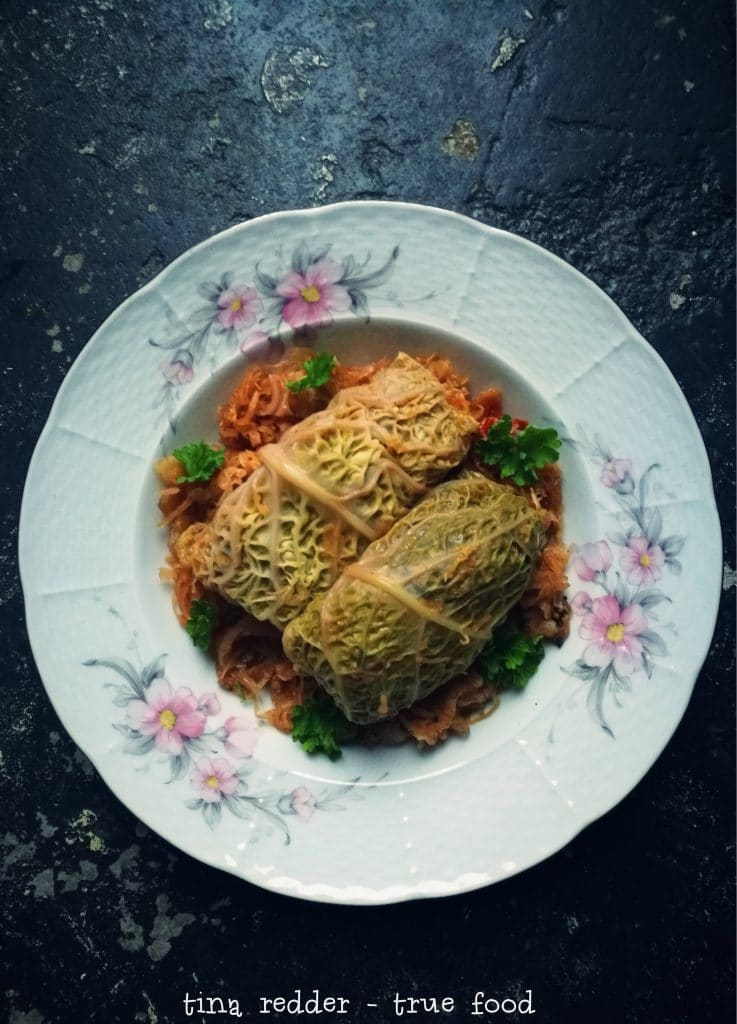 vegan hungarian cabbage rolls