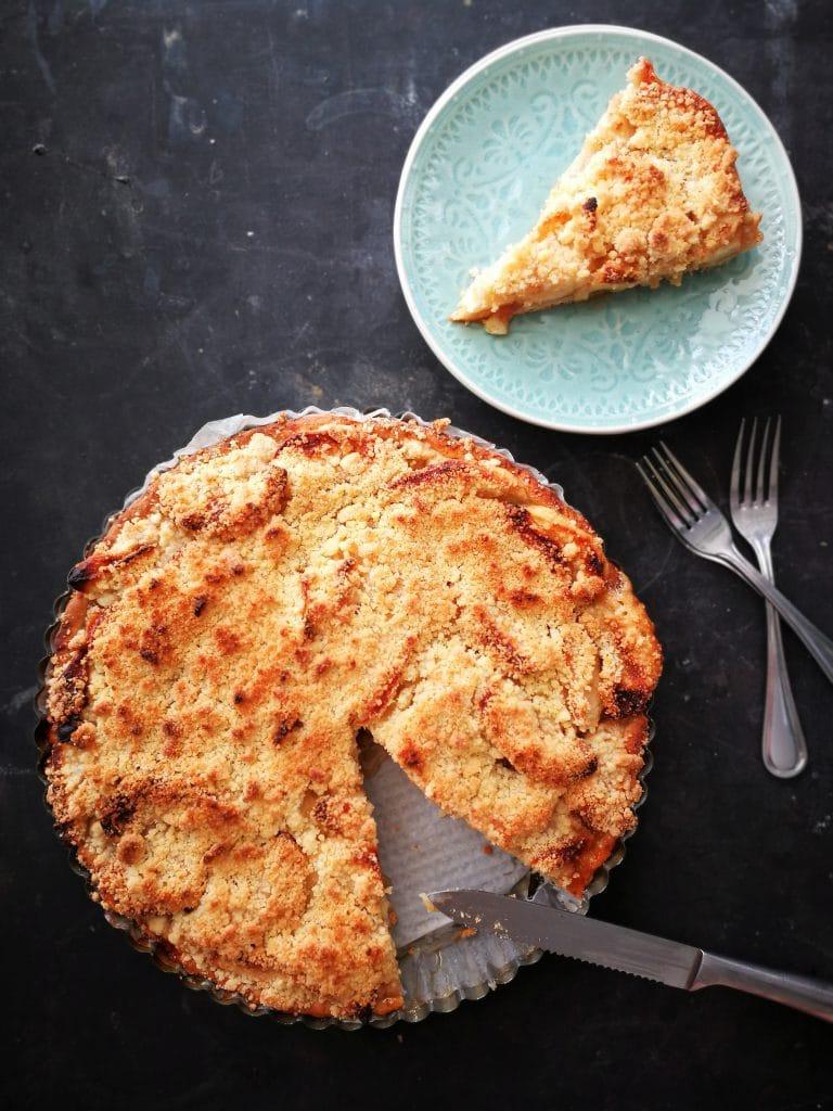 delicious apple crumble pie